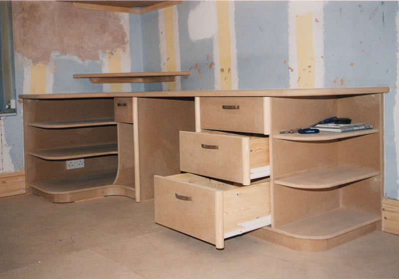 Students workstation desk in MDF with a modern design