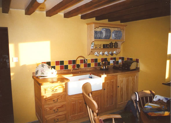 yellow-pine-kitchen