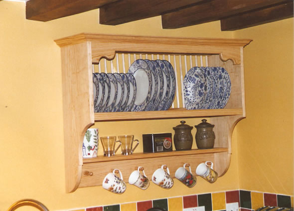 yellow-pine-plate-rack