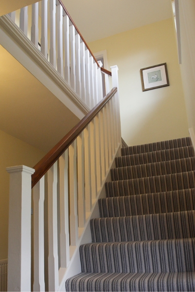 800-stairslanding