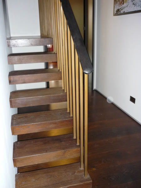 Cantilever stairs in baked oak