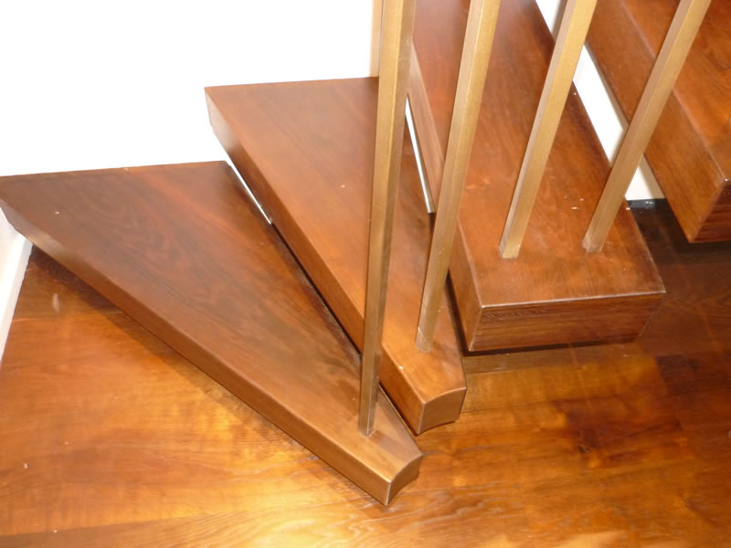 Kite winding cantilever treads